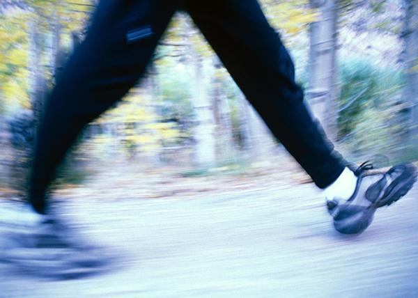 Hidas kävelyvauhti kertoo ongelmista jo keski-iässä