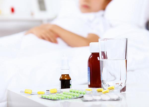 Ibuprofeeni vaikuttaa parasetamolia tehokkaammalta pienten lasten kivun ja kuumeen hoidossa