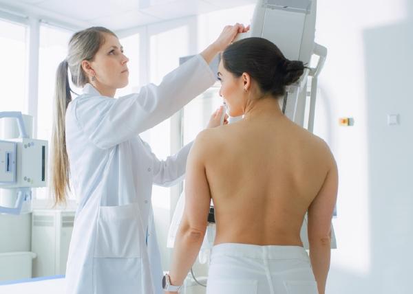 Syöpäseulontoihin osallistumisessa väestöryhmien välistä eriarvoisuutta