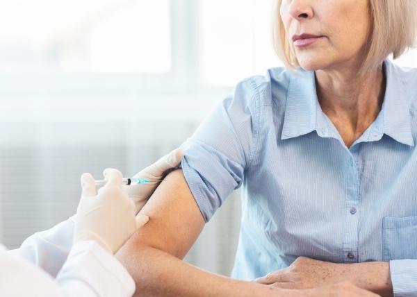 Koronarokotukset vähentäneet sairaalahoidon tarvetta
