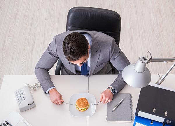 Työstressillä ja epäterveellisellä ruokavaliolla yhteys