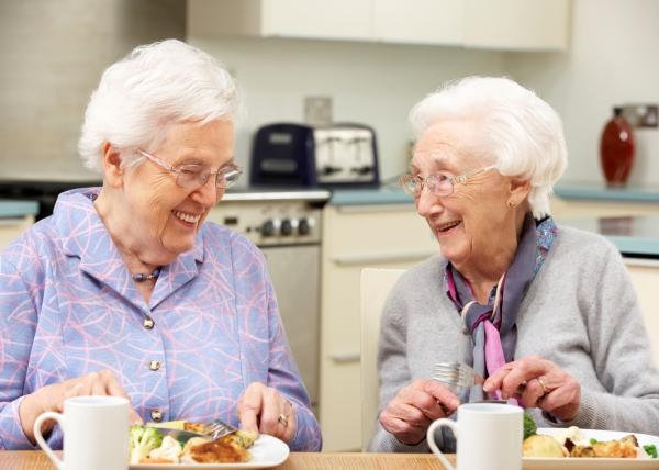 Riittävä proteiinin saanti ylläpitää vanhusten toimintakykyä